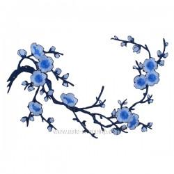 Broderie thermo-collante branche fleurie