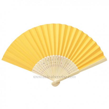 Éventail en papier jaune d'or